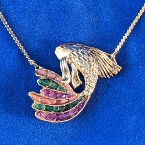 Jewelry - BEAUTIFUL Fish Necklace in Gold Tone with Quartz